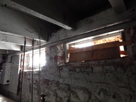 basement windos